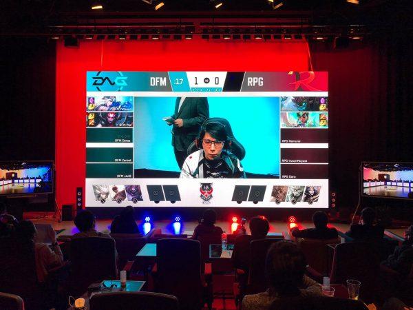 """『League of Legends』日本プロリーグ""""LJL""""のパブリックビューイングの350インチLEDモニター"""