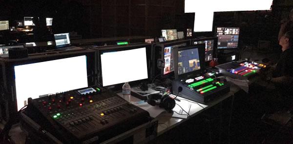 幕張メッセのインターネット配信の機材の設置の様子