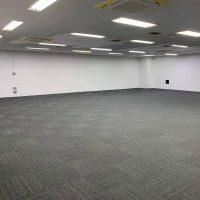 オフィススペース 絨毯・壁が完成